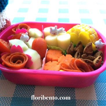 Bunnies in the garden simple bento